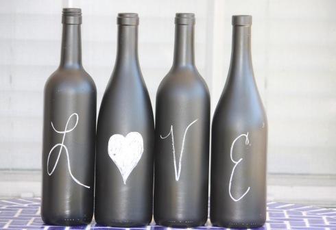 wazon z butelki _farba tablicowa