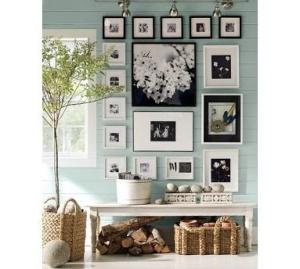 galeria zdjęć na ścianie