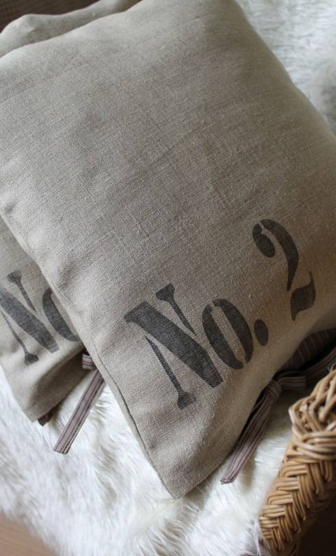 rustic pillows 2